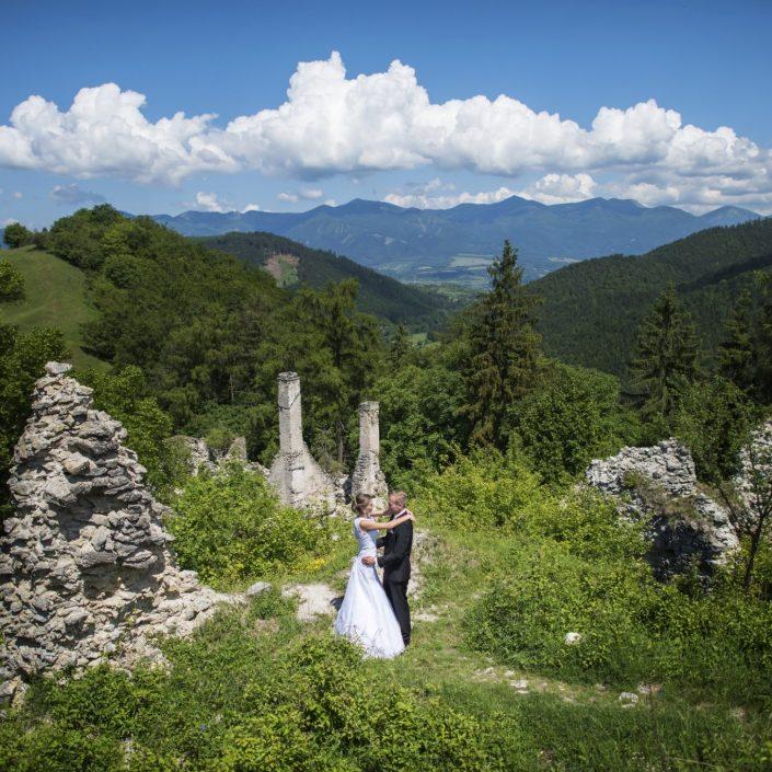 Výnimočná chvíla si žiada výnimočné počasie, ale aj výnimočného svadobného fotografa
